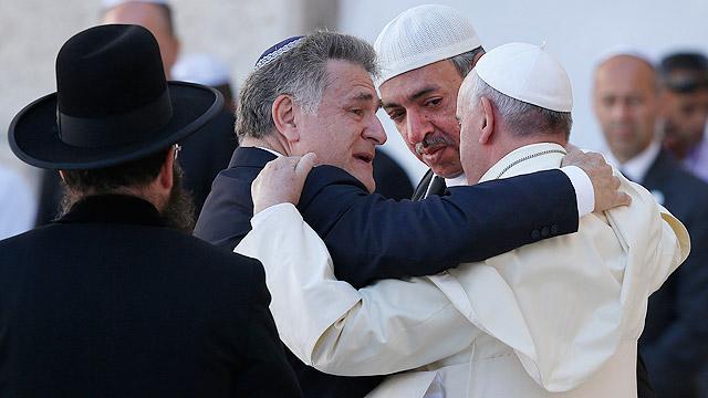 Paus, Rabbi dan Imam. Gmabar: Saltandlighttv.org